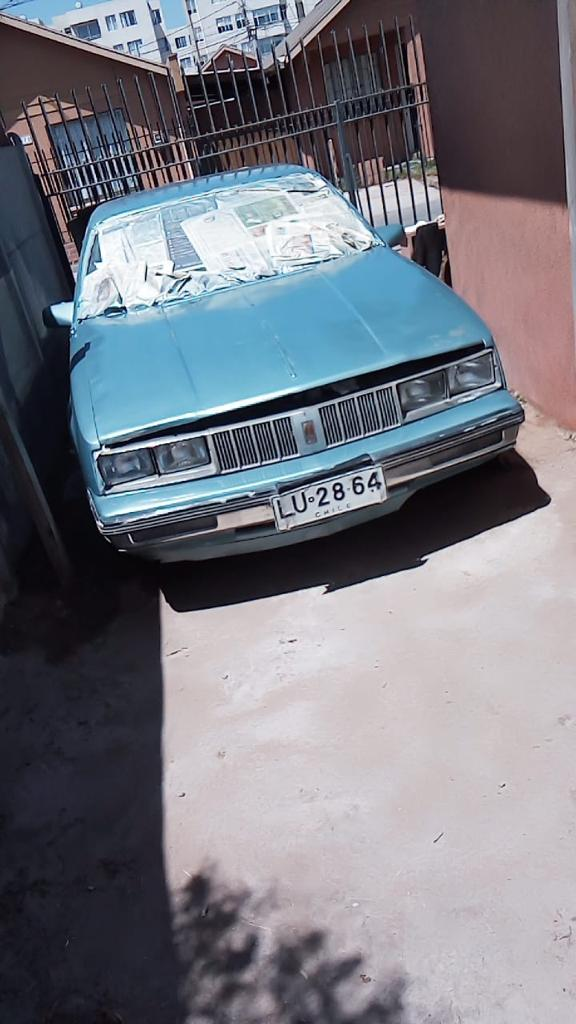 Oldsmobile Calais  año 1985