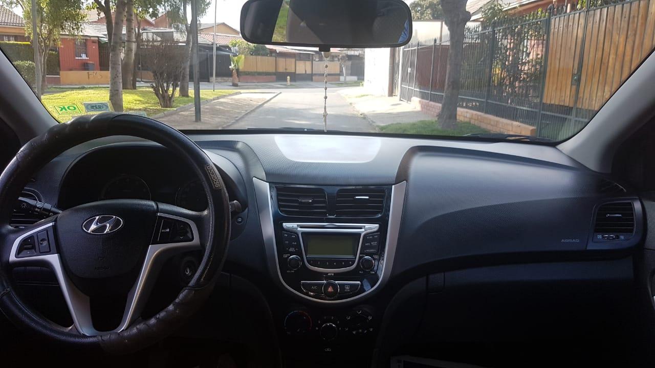 Hyundai Accent RB HB GLS 1.6 año 2012